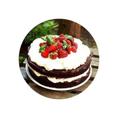Čokoládový dort s nutellou a jahodami