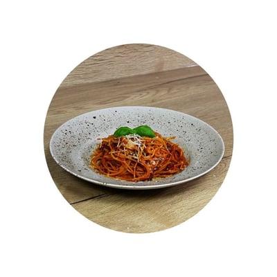 Špagety s rajčatovou omáčkou a mletým masem z jednoho hrnce