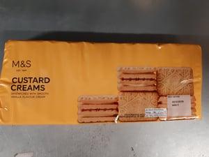 Marks & Spencer Sušenky s krémem