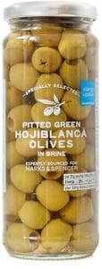 Marks & Spencer Vypeckované zelené olivy odrůdy Hojiblanca ve slaném nálevu