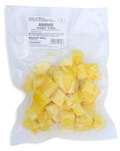 Ananas loupaný kostky