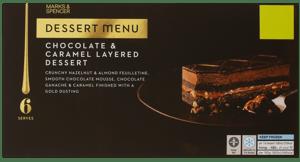 Marks & Spencer Dezert z čokoládové pěny a lískových oříšků
