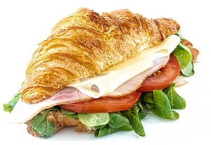 Sklizeno Croissant se šunkou a sýrem
