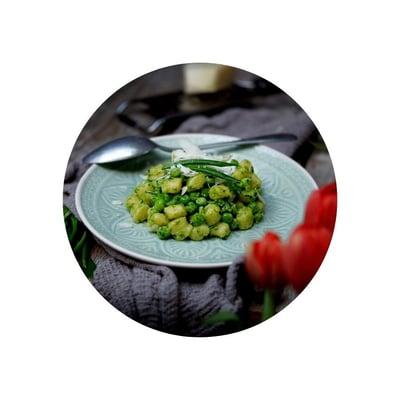 Gnocchi s pestem z medvědího česneku
