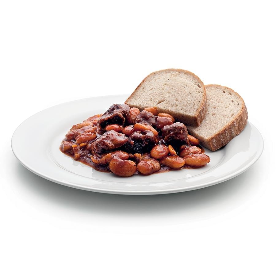 Dušené jehněčí maso s fazolemi a rajčaty