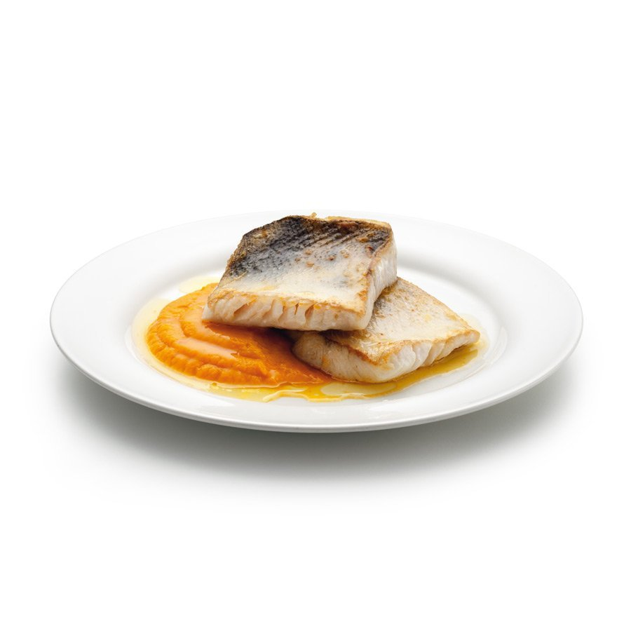 Pikeperch with carrot purée